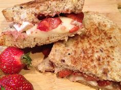Brie and Strawberry Grilled Sandwich