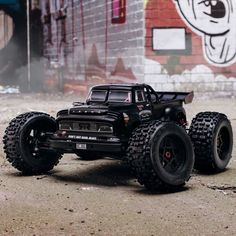 Rc Cars And Trucks, Pinion Gear, Rc Autos, Real Steel, Truck Wheels, Blue Bodies, Roll Cage, Stunts, Cars