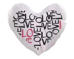 Cuscino cuore con scritte nere e rosa
