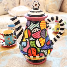 Cheap tea jug, Buy Quality personal tea set directly from China ceramic jug Suppliers: QianDu painted teapot fashion creative personality jug of high temperature ceramic tea set large volume of cold kettle Ceramic Clay, Porcelain Ceramics, Ceramic Pottery, Pottery Art, Porcelain Tile, Pottery Painting, Ceramic Painting, Teapots Unique, Paint Your Own Pottery
