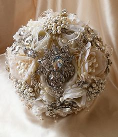 VINTAGE STYLE Wedding Brooch Bouquet   by Elegantweddingdecor
