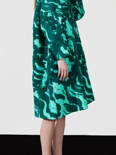 Satu Maaranen, the old-Couture inspired, Helsinki-based designer, presented herlatest collection for Spring/Summer 2015 Fashion Fabric, Fashion Prints, Fashion Design, Textiles, Fashion Outfits, Womens Fashion, Arty Fashion, Mode Inspiration, Rock