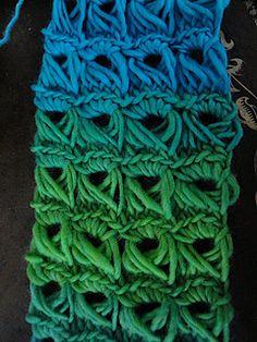 Broomstick scarf pattern