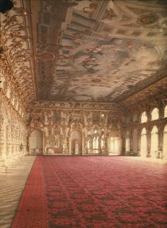 Rare colour autochrome of the Great Hall in the Catherine Palace as it looked in 1917.
