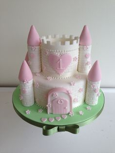 La Belle Cake Company is award winning leading designer of birthday cakes Bedfordshire. The area's most prominent name in birthday cake design. Fairy Castle Cake, Castle Birthday Cakes, First Birthday Cakes, Birthday Cake Girls, Birthday Parties, Princess Castle Cakes, Disney Castle Cake, Fairy Birthday Cake, Luxury Wedding Cake