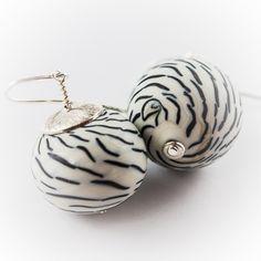 Stéphane OLIVIER Jewelry glass hollow beads lampworking filigrana  Zebra