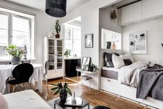 80 First Apartment Studio Decor Ideas - roomodeling Apartment Interior, Room Interior, Interior Design Living Room, Kitchen Interior, Lovely Apartments, Tiny Apartments, Studio Apartments, First Apartment, Apartment Living