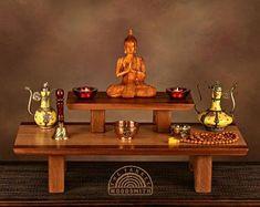 Floor style Buddhist meditation shrine/altar with pedestal. Meditation Stool, Buddhist Meditation, Meditation Corner, Meditation Rooms, Edible Acorns, Ideas Hogar, Red Oak, Building Materials, Pedestal