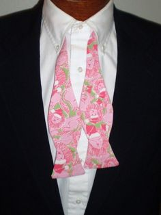 lilly bowtie with LIONS!! perfect