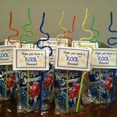 Valentines day gifts for classmates Kids school gift. Last day of school treat for Hudsons classmates. Sign says hope you have a KOOL summer and includes a Kool-aid drink and a fun straw. End Of Year Party, End Of School Year, School Holidays, School Fun, School Treats, School Snacks, Student Gifts, Teacher Gifts, Kindergarten Graduation
