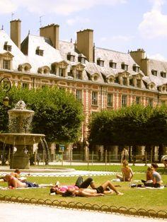 PARIS Le Marais I Place des Vosges