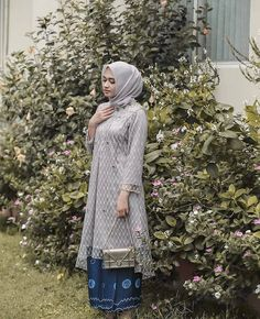 63 ideas for diy fashion tops inspiration Kebaya Modern Hijab, Kebaya Hijab, Kebaya Brokat, Dress Brokat, Kebaya Muslim, Model Kebaya Modern Muslim, Kebaya Lace, Kebaya Dress, Batik Kebaya