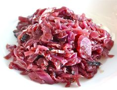 Braised Red Cabbage or Chou Rouge Braisé Braised Red Cabbage, Purple Cabbage, Pork Belly, Vegetable Dishes, Paleo, Favorite Recipes, Dinner, Vegetables, Salad Ideas