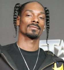 Snoop Dogg Pictures ( image hosted by ew.com ) #SnoopDoggNetWorth #SnoopDogg #gossipmagazines