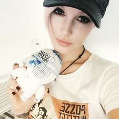 Win a Audiobot 7.0 with a custom Emma Hewitt Snapback cap. To win, upload a pic/vid to Instagram or Twinner with the hashtag#win_goinghome showing is what HOME means to you -IMIXID #emmahewitt #audiobots #imixid #bleutoothspeaker #cute #kawaii #snapback #edm #dancemusic #plur #home #win #freeshit  #vinyltoy #arttoy
