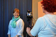 """WinNova, 2014. Juttu ja kuvat: """"Toimihenkilöt kartuttavat osaamistaan aikuiskoulutuksella – työnhakuun lähdetään videohakemuksilla"""""""