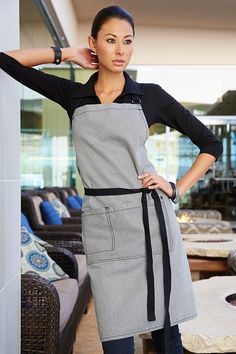 The Portland Half Bistro Apron is part of our Urban Collection. Featuring a striped denim fabric, contrast tape ties and a large front pocket, this apron is a perfect Front of House addition when paired with a black or white shirt. Restaurant Aprons, Restaurant Uniforms, Bartender Uniform, Chef Dress, Waitress Apron, Apron Tutorial, Staff Uniforms, Apron Designs, Bib Apron