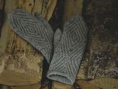 Fingerless Gloves, Arm Warmers, Ravelry, Knitwear, Embroidery, Wool, Stitch, Crochet, Handarbeit