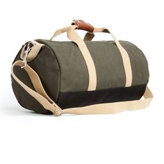 Handmade in the USA of extremely durable 18oz duck canvas, this weekender is the perfect size for a quick trip or carrying your gear to the gym. The interior has one large zipper pocket to keep smalle
