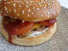 Vegan cheese burger Ital Food, Clean Eating, Healthy Eating, Cooking Photos, Vegan Menu, Seitan, Vegan Cheese, Conscience, Food And Drink