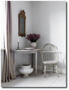 Swedish Gustavian Home | Magnus Lundgren