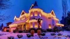 A beautiful home at Christmas