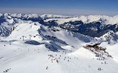 Practical information on the La Plagne ski area, lifts, terrain parks, and off-piste areas