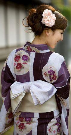 This is a yukata. Yukata is a casual kimono of summer.