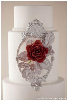 Snow White Wedding Cake @Sarah Lewis