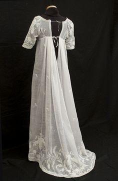 Muslin: A Beautiful & Versatile Cloth for Regency Fashion
