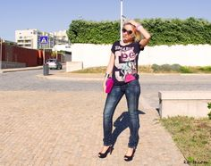 High-heel shoes look good with jeans