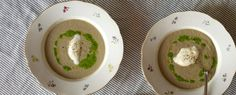 Qooking.ch | Velouté de champignons de Paris Bolet, Hummus, Breakfast, Ethnic Recipes, Food, Grout, Recipes, Morning Coffee, Meals