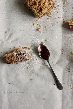 squares115 Strawberries crumb cake
