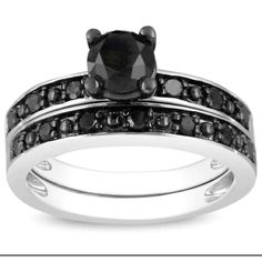 New wedding ring set the hubs did so good picking this out it is so