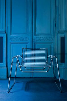 SLED BASE CHAIR WITH ARMRESTS WWW BY MIDJ   DESIGN PAOLO VERNIER