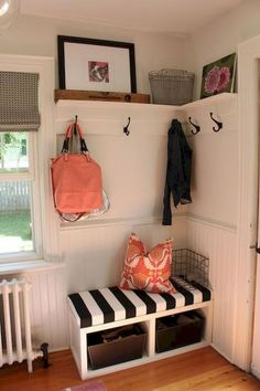 Stunning Rustic Small Mudroom Entryway Decor Ideas - Home Design - lmolnar - Best Design and Decoration You Need Dining Decor, Entryway Decor, Living Room Decor, Bedroom Decor, Dining Room, Bedroom Ideas, Bench Decor, Entryway Furniture, Bedroom Furniture