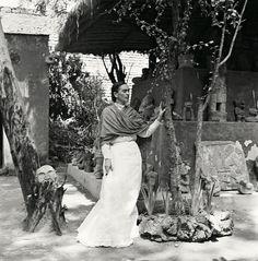 Frida Kahlo: The Gisèle Freund Photographs