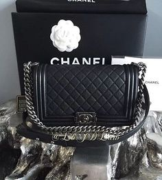 NWT CHANEL AUTHENTIC Le Boy Bag Black Caviar Medium Crossbody FRANCE Ruthenium