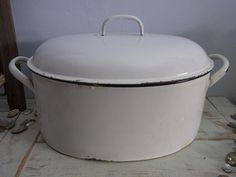 1930, Vintage. To bake that pot roast in  for Sunday after church in the country.