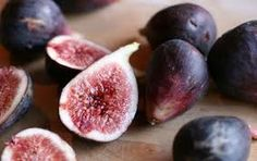 figs are highly prized fruit to treat every disease since ancient times. Figs can provide great energy can repair and restore the digestive system Figs With Honey, Baking With Honey, Black Mission Fig, Roasted Figs, Fresh Figs, Fresh Fruit, Thing 1, Health And Nutrition, Health