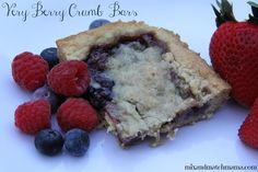 Mix and Match Mama: Bar #39: Very Berry Crumb - fruit desserts aren't my fave, but it's a good one for sure!