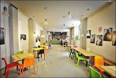 Moltivolti, pub, restaurant (ethnic and italian food) and coworking | Via M. Puglia 21 in Palermo, Sicily