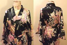 Vintage 1980s Japanese Kimono Robe Black Robe Floral Print