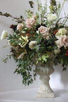 Aisle Arrangement. Roses. Fall wedding. Large floral Arrangement