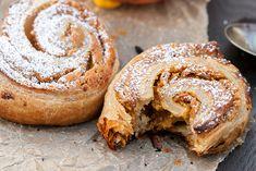 Spiced Pumpkin and Cream Cheese Puff Pastry Spirals | spachethespatula.com #recipe