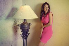 Arts by ofertasenmiami presenta a la actriz internacional lali Gonzalez presentando nuestros vestidos