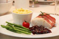 Ovnsbakt torsk med karamellisert løk og mandelpotetpure Frisk, Cod, Mashed Potatoes, Main Dishes, Beef, Dinner, Ethnic Recipes, Health, Christmas