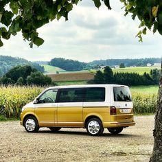 Test car Volkswagen VW T6 Multivan 70 years Edition.#volkswagen #vw #vwt6 #vwtransporter #mulitvan #commercialvehicle #vwbus #vwbulli #quickcarreview #car #cars #vans #testcar @volkswagen_de @volkswagen_nutzfahrzeuge_vwn