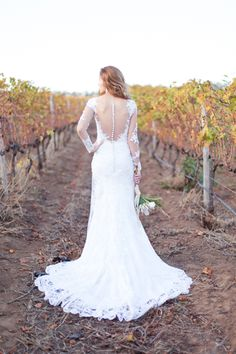 Lace back detail wed