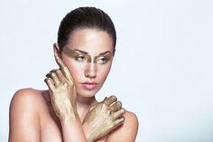 Beauty Gold Makeup. Editorial  Osmow   Fotografía y Video   Gijón, Asturias - Beauty http://www.osmow.es/3017038-beauty#e-1 via format.com